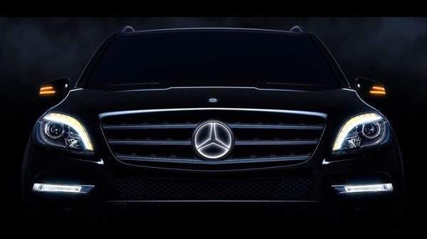 mercedes-illuminated-star-emblem-11